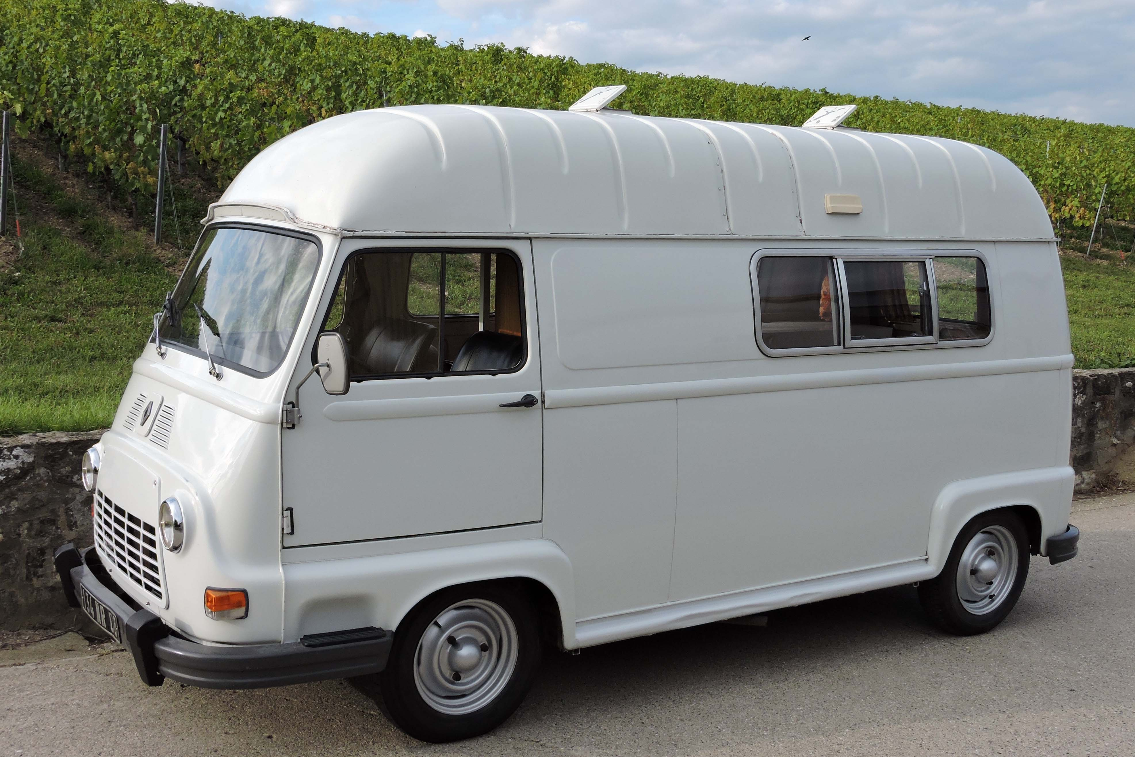 Renault estafette camping car christoph grohe for Interieur estafette